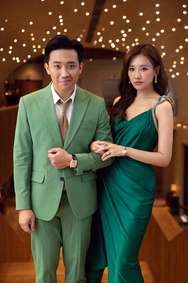 Trấn Thành 'cà khịa' chuyện Hari Won nói tiếng Việt kém nhưng trong hậu trường thì cứ nắm tay ríu rít không rời - Ảnh 4.